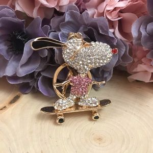 Accessories - Crystal Snoopy on a Skateboard on a Gold Keychain